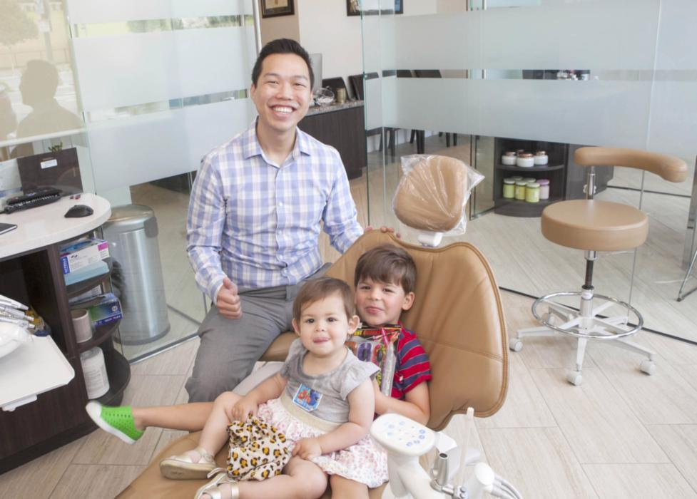 Dr. Andrew with His Patients | Pediatric Dentist on Montana Ave