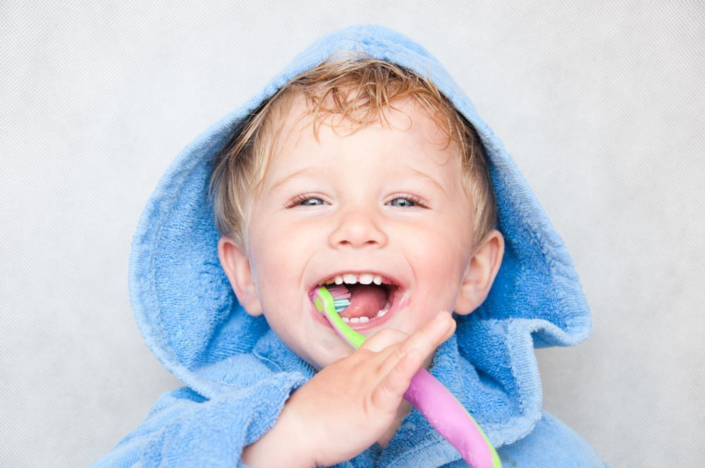 Little boy brushing teeth | Dentist santa Monica ca